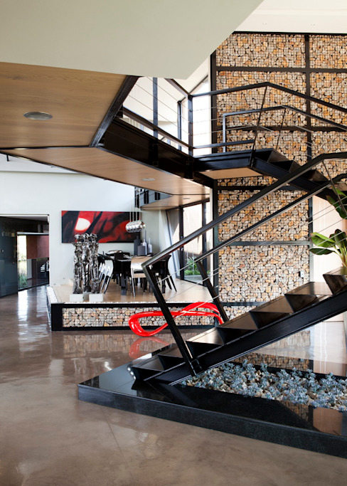 House Tsi Modern Corridor, Hallway and Staircase by Nico Van Der Meulen Architects Modern