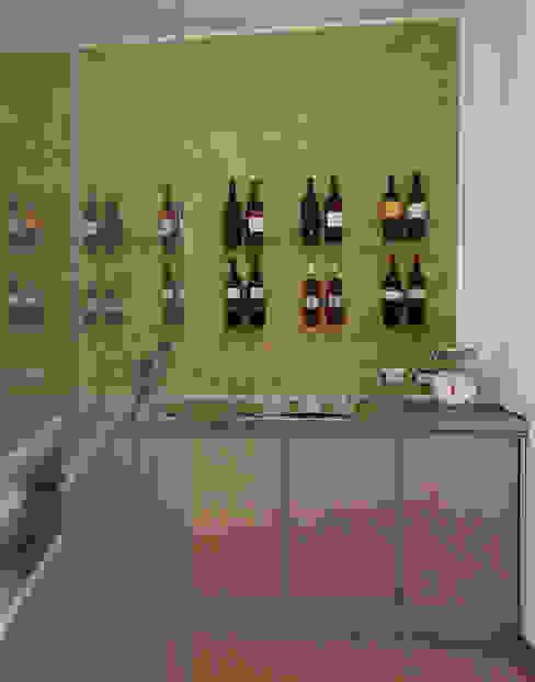 Wine cellar by marco olivo, Modern