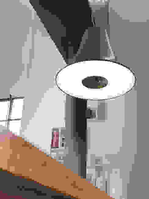 de estilo  por Lucente by Gruppo Rostirolla , Moderno