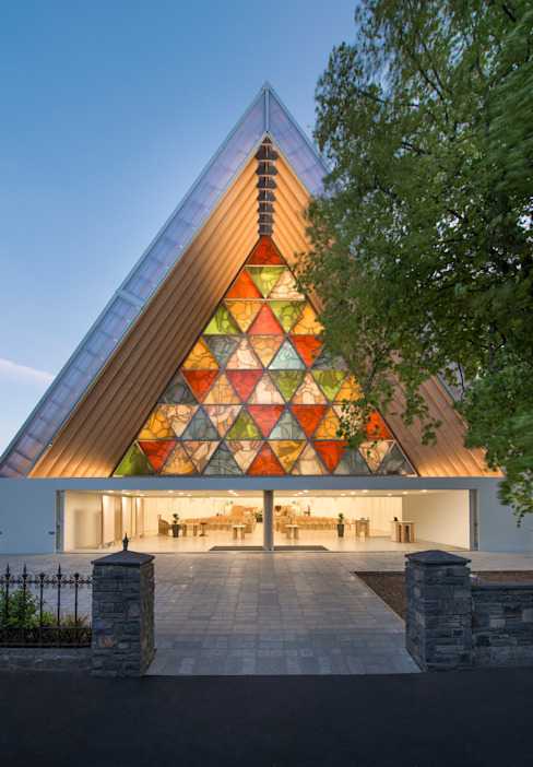 Cardboard Cathedral Christchurch Espaços comerciais por 坂茂建築設計 (Shigeru Ban Architects)