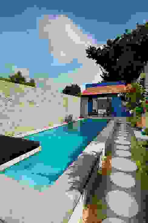 Mediterrane zwembaden van Taller Estilo Arquitectura Mediterraan