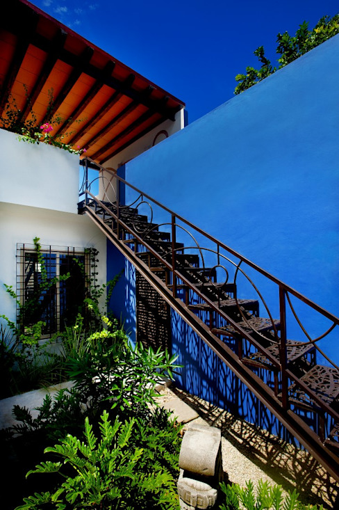 Mediterrane gangen, hallen & trappenhuizen van Taller Estilo Arquitectura Mediterraan