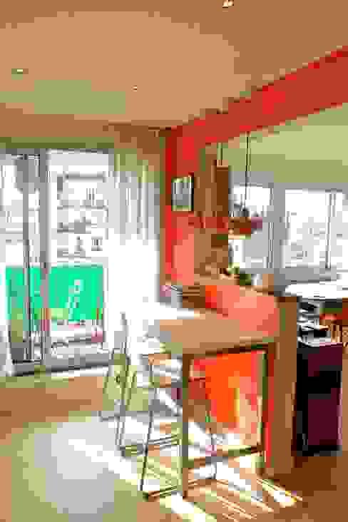 Appartement contemporain - 75010 Salon moderne par Espaces à Rêver Moderne