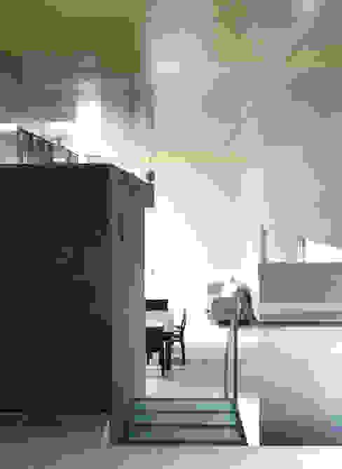 リビングダイニングルームの様子 JWA,Jun Watanabe & Associates モダンデザインの リビング