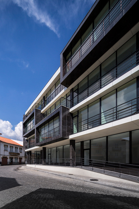 modern  by Nuno Ladeiro, Arquitetura e Design, Modern