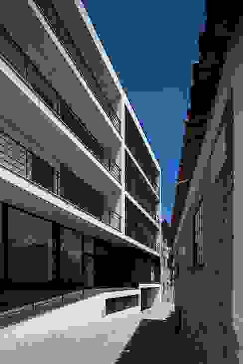 Varanda, alpendre e terraço  por Nuno Ladeiro, Arquitetura e Design