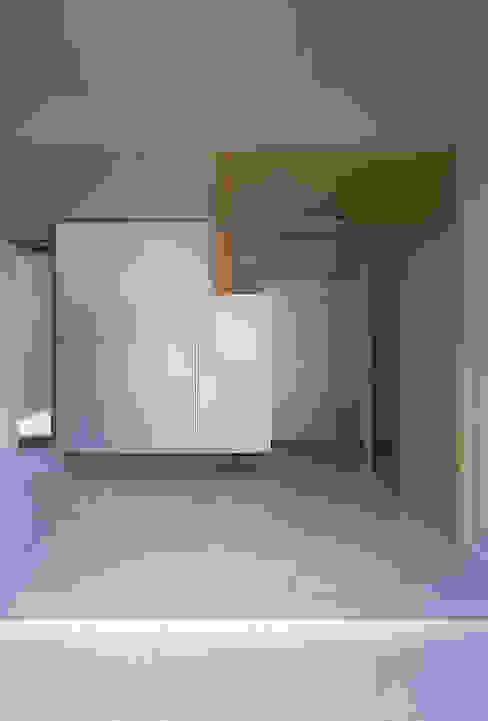 エントランスホールの様子 JWA,Jun Watanabe & Associates モダンスタイルの 玄関&廊下&階段