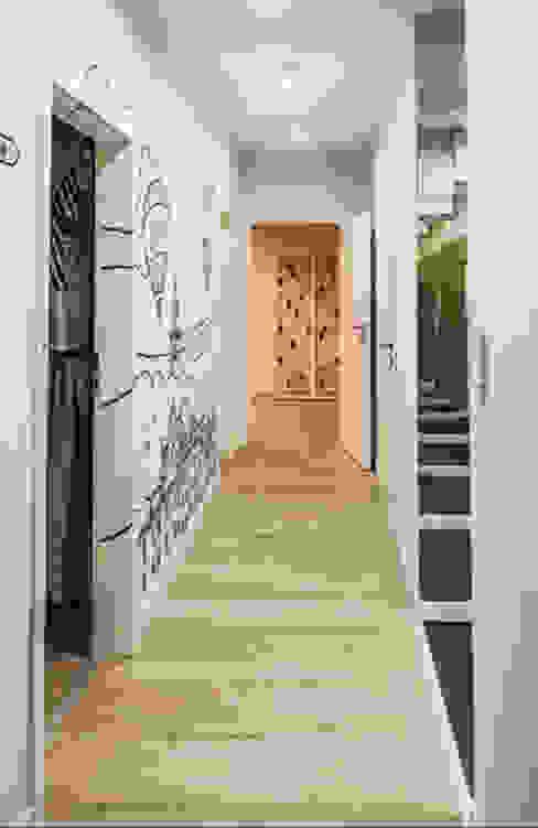 Corredores, halls e escadas modernos por dziurdziaprojekt Moderno
