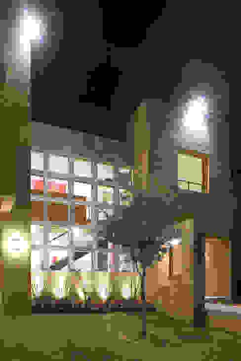 Casa Caritas No.58 Casas modernas de ARQUIPLAN Moderno