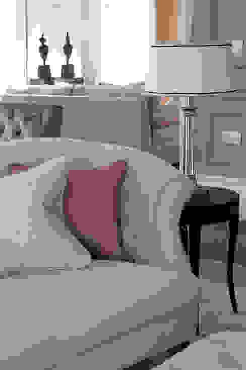 Ruang Keluarga oleh Roselind Wilson Design, Modern