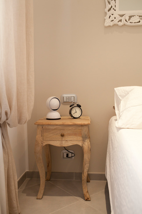 Minimalist bedroom by Studio_P - Luca Porcu Design Minimalist