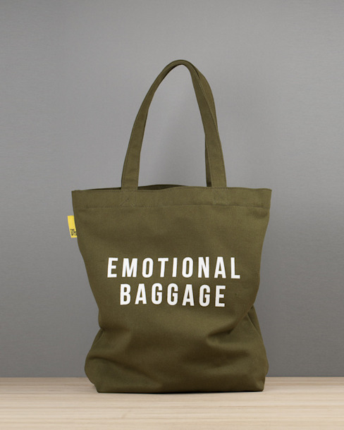 Emotional baggage canvas tote od An Artful Life Eklektyczny