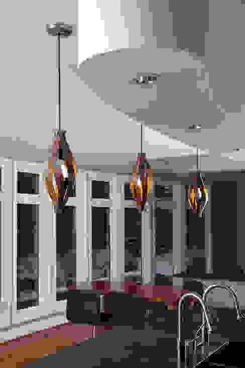 Cocoon Pendant light od MacMaster Design Nowoczesny