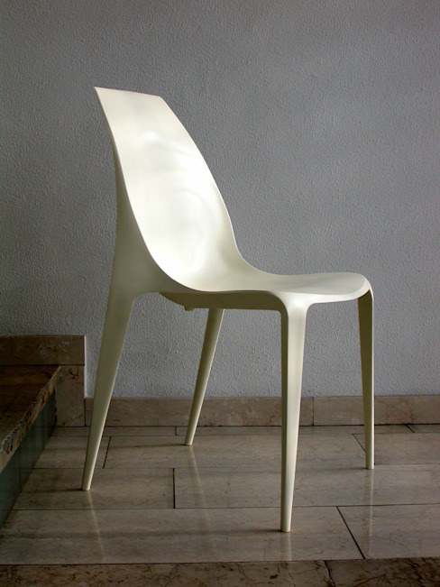 Beluga Plastic Chair 吉野 利幸