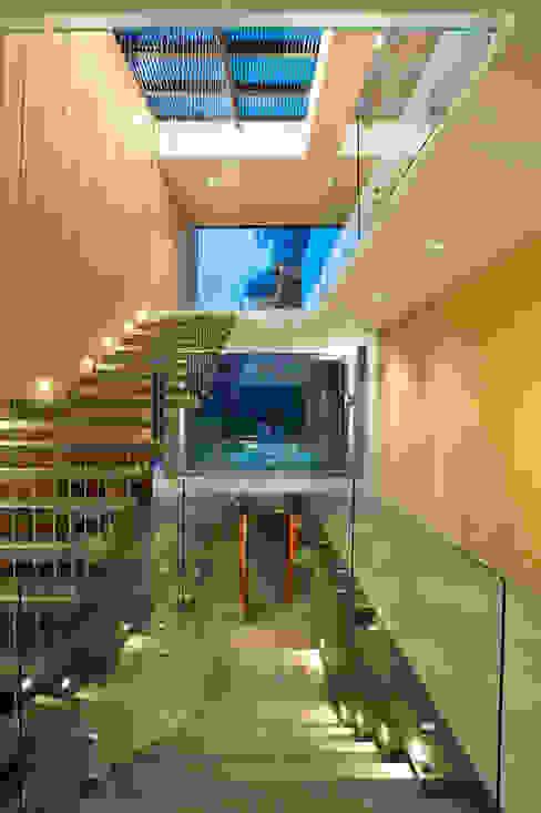 House V Modern Koridor, Hol & Merdivenler Serrano Monjaraz Arquitectos Modern
