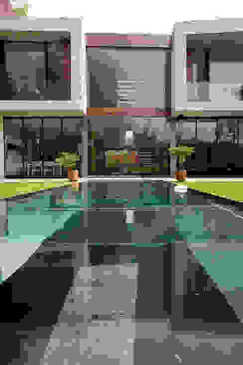 House V Serrano Monjaraz Arquitectos 泳池