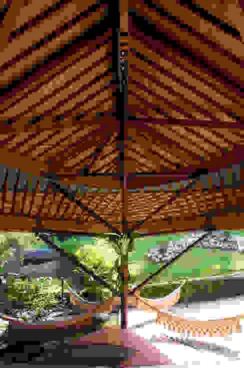 Casa Folha: Terraços  por Mareines+Patalano Arquitetura