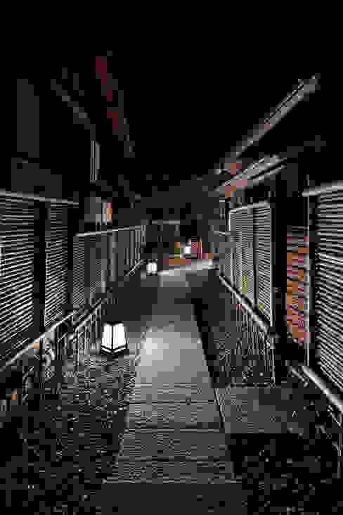 Casas de estilo asiático de S PLUS ONE Asiático