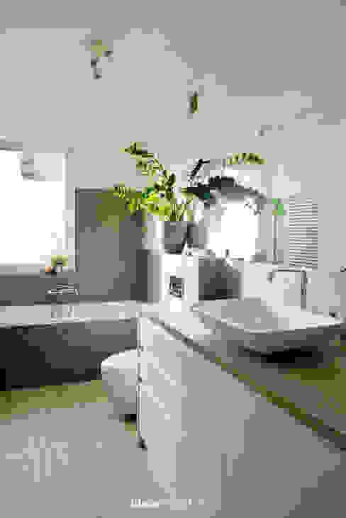 Betonowo Skandynawska łazienka od idea projekt Skandynawski