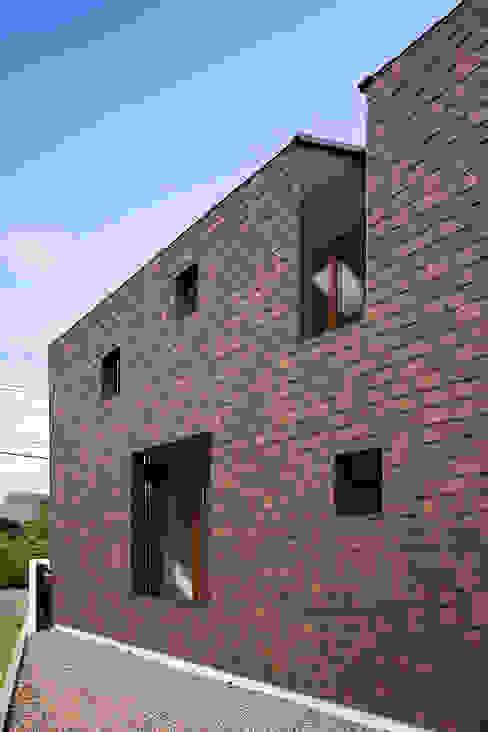 外の部屋のある処 の g_FACTORY 建築設計事務所