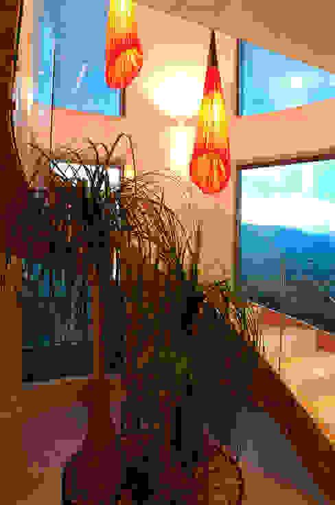 PH A Las Nubes Pasillos, vestíbulos y escaleras de ARCO Arquitectura Contemporánea