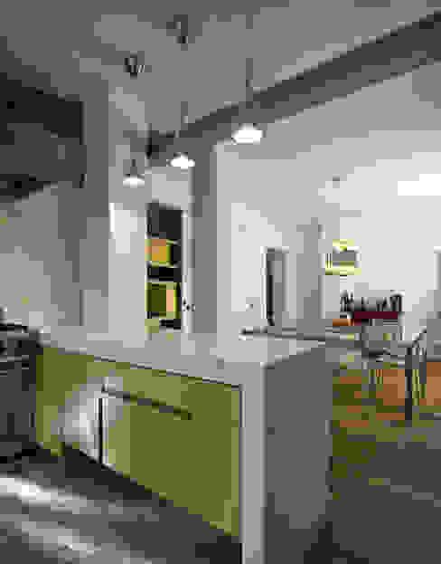 Abitazione Aventino di LUCA SOLAZZO Architettura e Design Minimalista