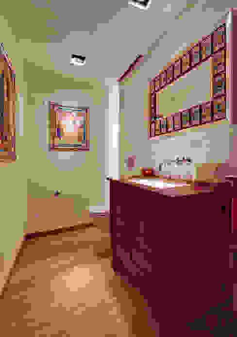 Departamento Polanco 1 モダンスタイルの お風呂 の Lopez Duplan Arquitectos モダン