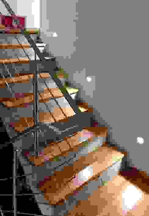الممر والمدخل تنفيذ benthaus|architekten , حداثي