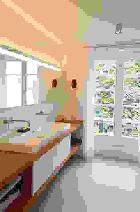 Umbau 2 Etagen Moderne Häuser von HONEYandSPICE innenarchitektur + design Modern