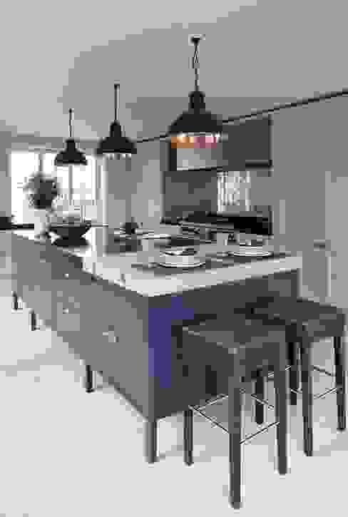 Heritage Modern kitchen by Mowlem&Co Modern