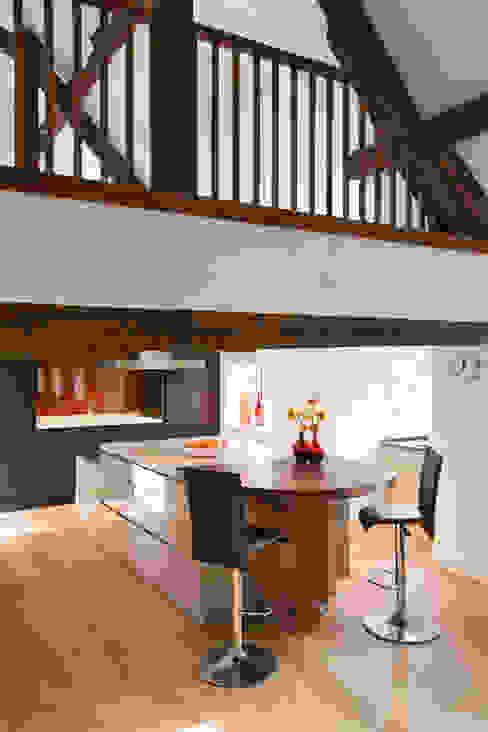 Enduring Cocinas de estilo moderno de Mowlem&Co Moderno