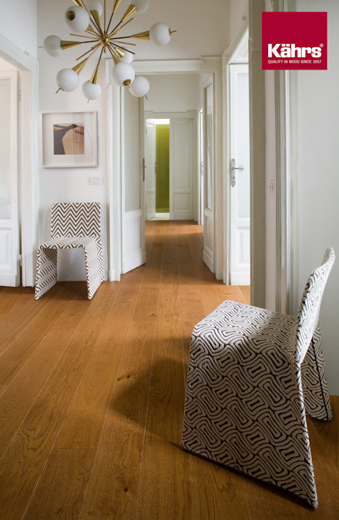 Classic style corridor, hallway and stairs by Kährs Parkett Deutschland Classic