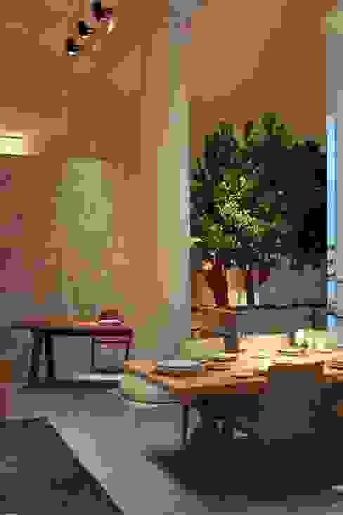 Sala da pranzo Sala da pranzo in stile classico di Tiziano Codiferro - Master Gardener Classico
