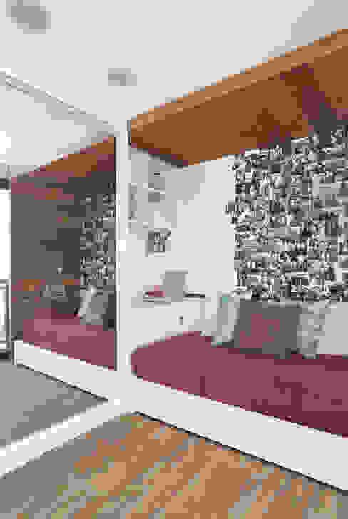 Cuartos de estilo moderno de Leila Dionizios Arquitetura e Luminotécnica Moderno