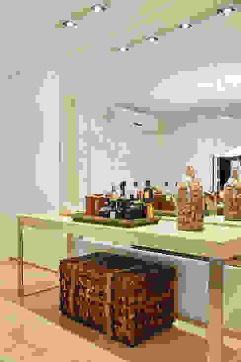 Comedores de estilo  por Leila Dionizios Arquitetura e Luminotécnica , Moderno