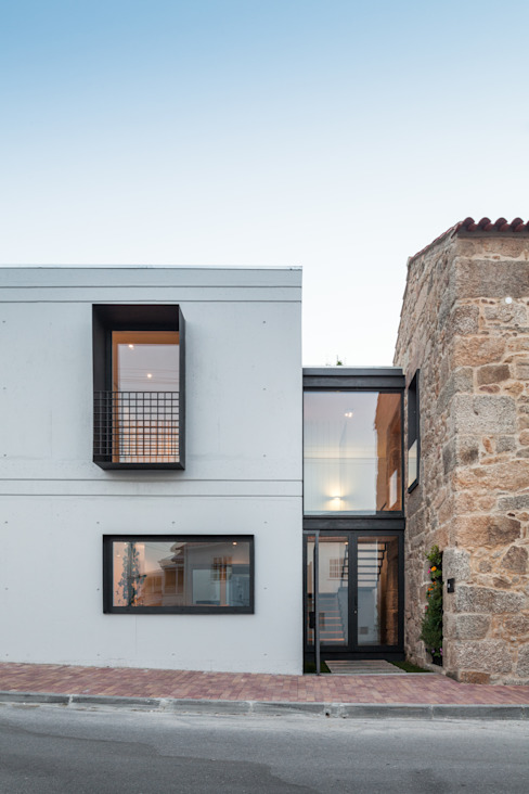House JA - designed by Filipe Pina and Inês Costa. von Joao Morgado - Architectural Photography