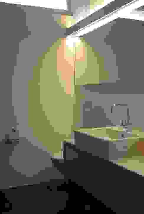 EFH Spescha Zizers Moderne Badezimmer von hogg architektur Modern