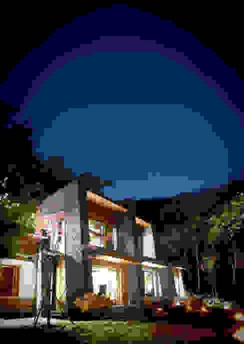 Jecheon Resom Forest by 나우동인건축사사무소 러스틱 (Rustic)