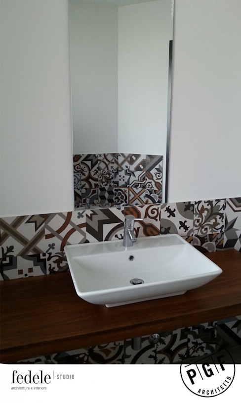 Baños de estilo moderno de Fedele Studio Moderno
