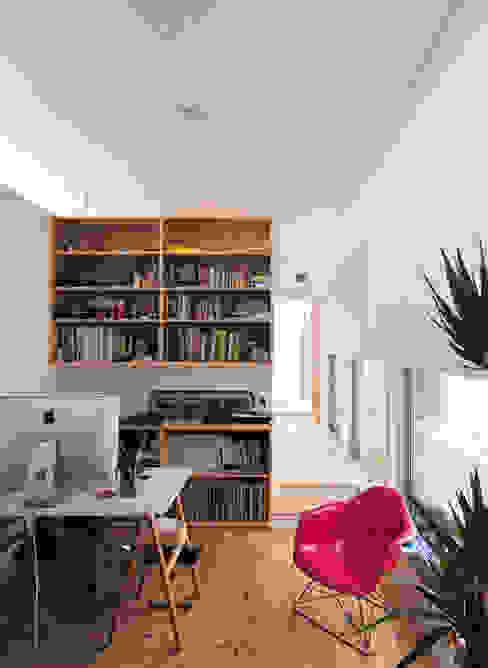 HOUSE-SMT モダンデザインの 書斎 の 島田博一建築設計室 モダン