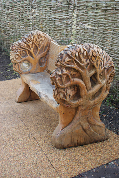 Tree seat by Tom Harvey