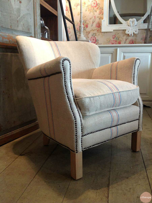 Armchair with antique flour sacks por Vilmupa Rústico