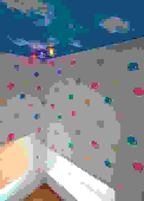 غرفة الاطفال تنفيذ 石嶋寿和/石嶋設計室 , تبسيطي