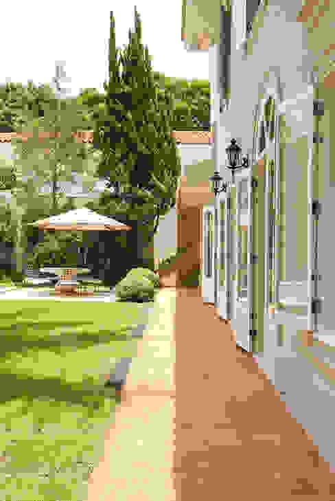 Klasyczne domy od Prado Zogbi Tobar Klasyczny