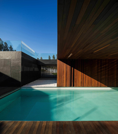 BE House Modern Pool by spaceworkers® Modern