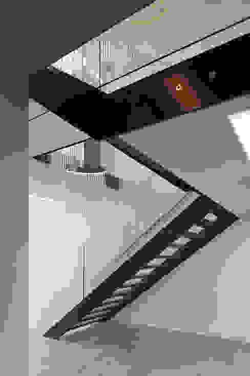 Couloir et hall d'entrée de style  par 123DV Moderne Villa's, Moderne