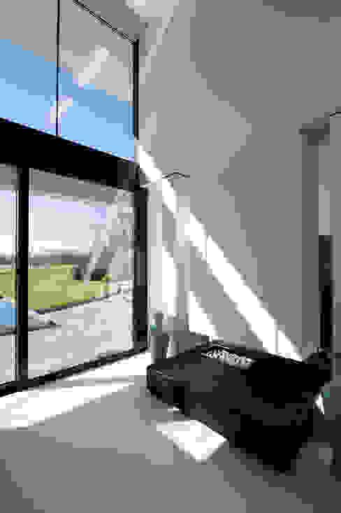 East West Villa Moderne ramen & deuren van 123DV Moderne Villa's Modern