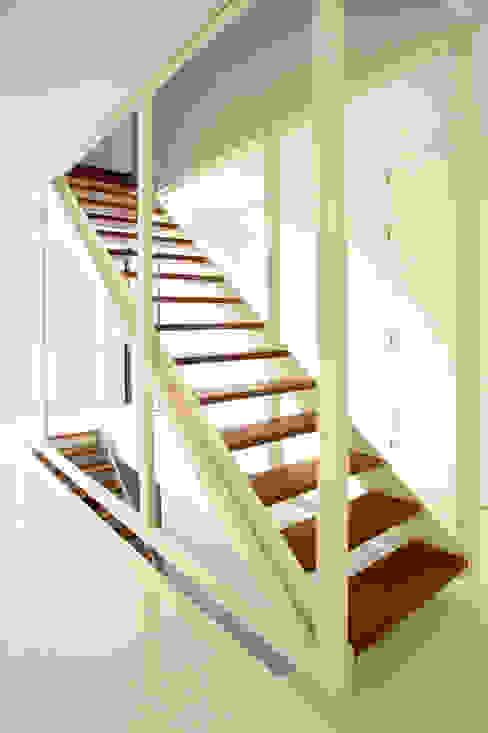 123DV Moderne Villa's Nowoczesny korytarz, przedpokój i schody