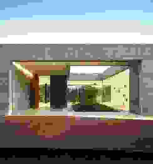 Sambade House Casas modernas: Ideas, imágenes y decoración de spaceworkers® Moderno