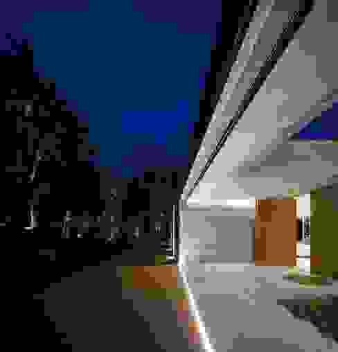 Casa de Sambade spaceworkers® Varandas, marquises e terraços modernos
